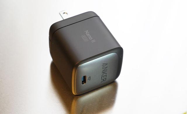 画像: ▲「Nano II」シリーズの45Wタイプ「Nano II 45W」。本日発売。¥3,390