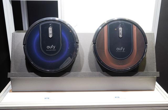 画像: ▲スマート家電ブランド「eufy」のロボット掃除機「RoboVac G30 Hybrid」。新ナビシステムで部屋の隅々まで掃除ができるようになったそう。本日発売で¥34,800