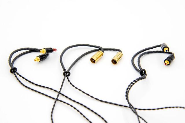 画像: ▲左から「MMCXSeP」「カスタム2ピンPro」「Pentaconn ear」コネクター