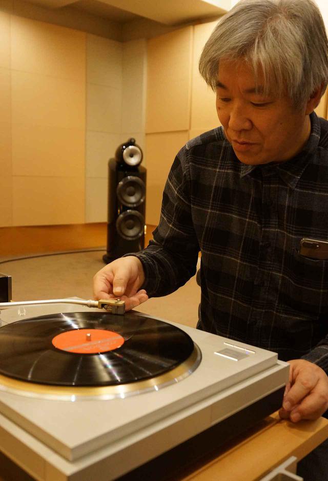 画像: レコードプレーヤーのテクニクスSL1000Rに装着して試聴した。