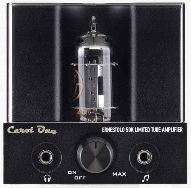 画像: フロントビュー。中央が電源スイッチを兼ねた音量調整。その左にヘッドフォン出力端子、右に3.5㎜ステレオミニプラグの入力端子を配置。