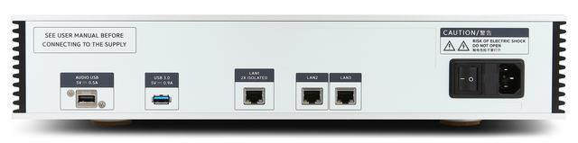 画像: リアパネルにはUSBタイプA端子とLAN端子を装備。USBタイプAとUSB DACをつなぐことで、ネットワークトランスポートとして利用できる。USB DACにはLinux対応品を選べばよい。また、LAN端子を3系統備えているのは、本機がスイッチングハブとしても機能するから。「LAN1」が二重絶縁を施された端子のため、ここに自宅LANとの接続のためのケーブルをつなぎ、「LAN2」や「LAN3」には追加のNASを使うことなどが想定される