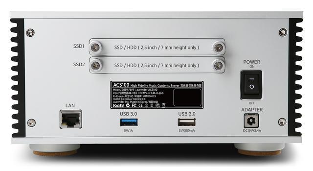 画像: ACS100のLANポートはひとつのみ。スイッチングハブ機能は非搭載だ。上部に2.5インチSSD/HDD用スロットを2系統備えており、ユーザーが自由に換装可能