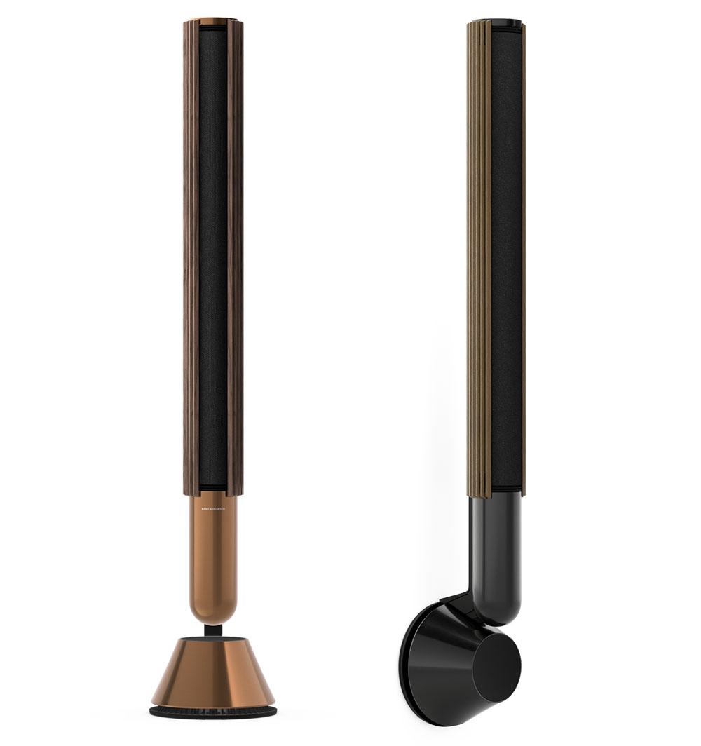 画像: Beolab 28を床置き設置した場合(左)と壁掛け設置した場合(右)