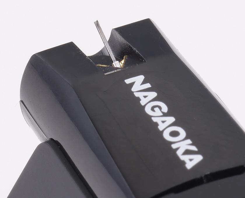 画像: JT80BKは軽量で伝播速度の速いボロンをカンチレバーに採用、0.4×0.7milの無垢ダイア楕円針を採用した上級機。スタイラスアッセンブリーの色はブラック。
