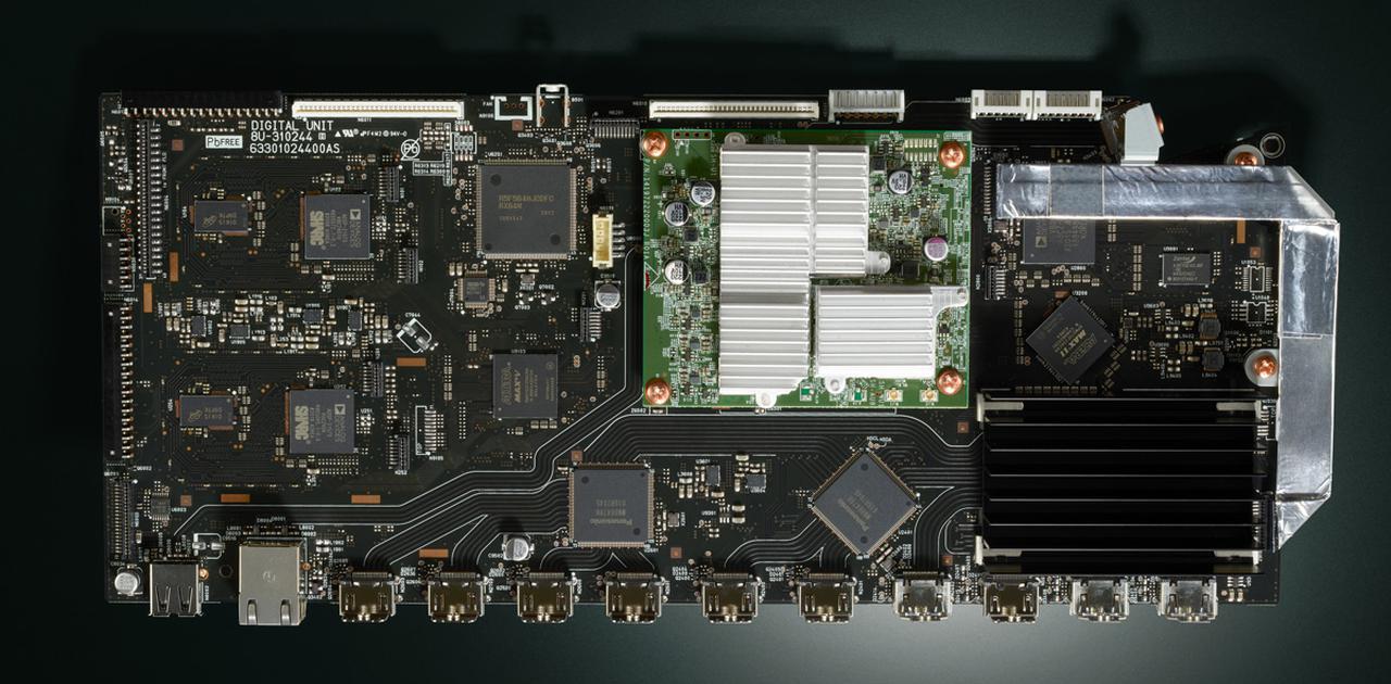 """画像2: """"変わらない"""" 高品位コントロールAVセンター マランツ『AV8805A』"""