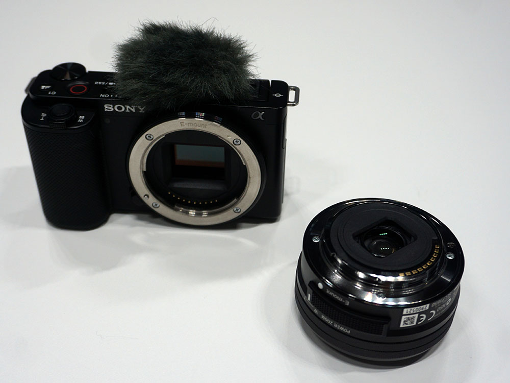画像: レンズキットの「VLOGCAM ZV-E10L」