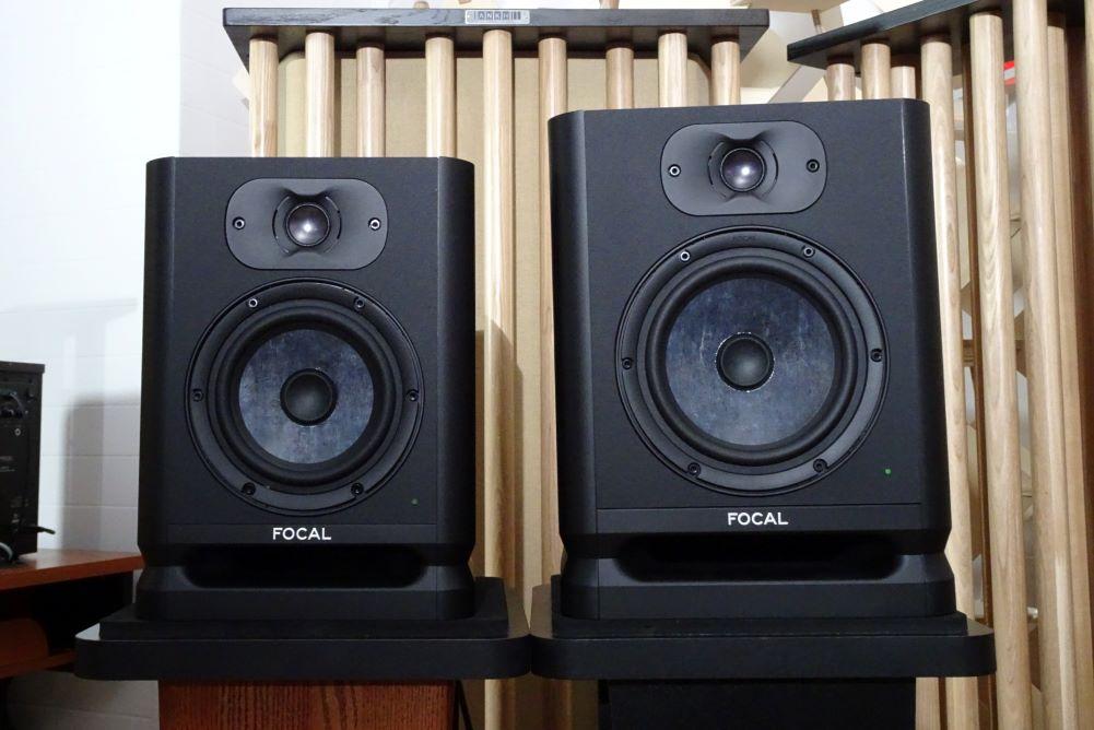 画像: Focal Professionalの新製品、スタジオ用のパワードスピーカー「ALPHA EVO 65 /50」の試聴デモも行なわれた。紹介記事は別稿にて