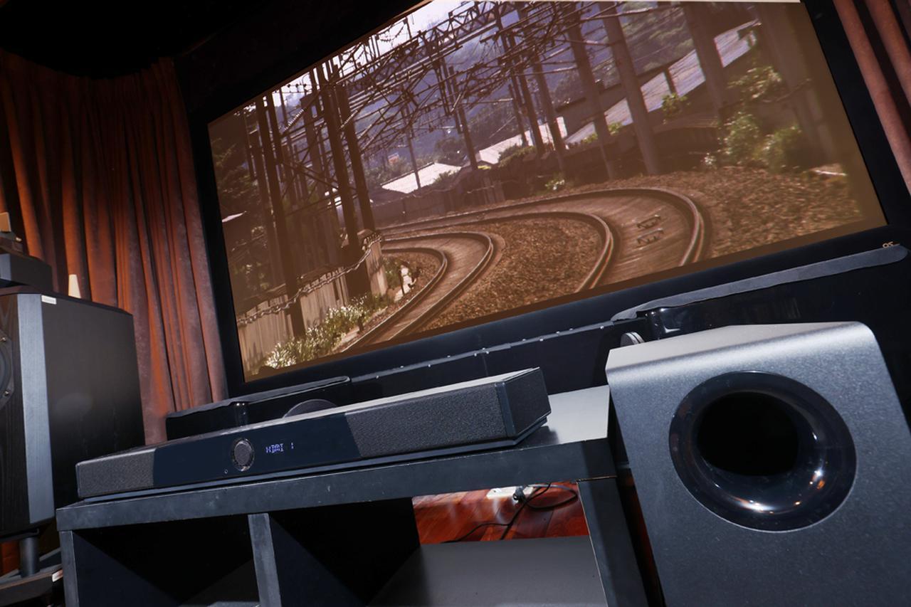 画像: 【鳥居一豊の名品探訪】ドルビーアトモス対応のサウンドバー「Creative SXFI CARRIER」は、120インチのスクリーンと組み合わせて本格的なサラウンドを楽しめる本格派モデル! - Stereo Sound ONLINE