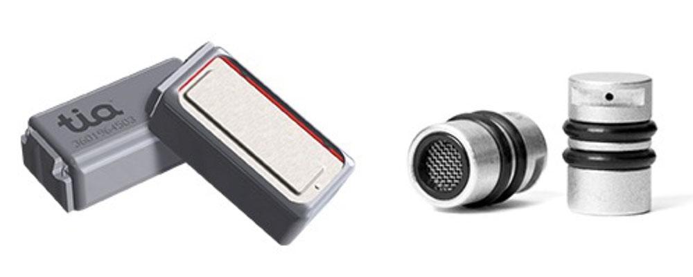 画像: tiaテクノロジーを採用したBA型ドライバー型ドライバー(左)とapexモジュール(右)