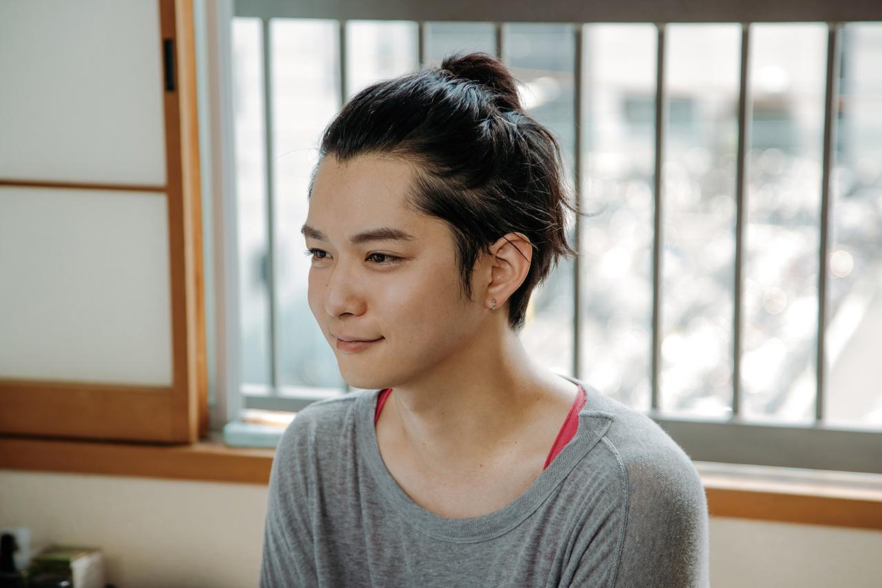 画像: 明大役の千葉雄大は、持ち前の可愛らしさを最大限発揮し、トランスジェンダーをごく自然に演じている