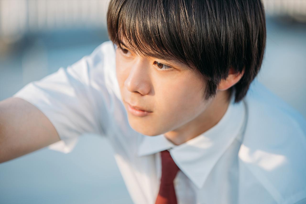 画像: 門司くんを演じるのは、人気テレビドラマ「ドラゴン桜」で発達障害を持つ生徒を演じた細田佳央太。ドラマとは見た目も声もしゃべり方も違うので、同一人物だと気づかない人も多いのではないだろうか