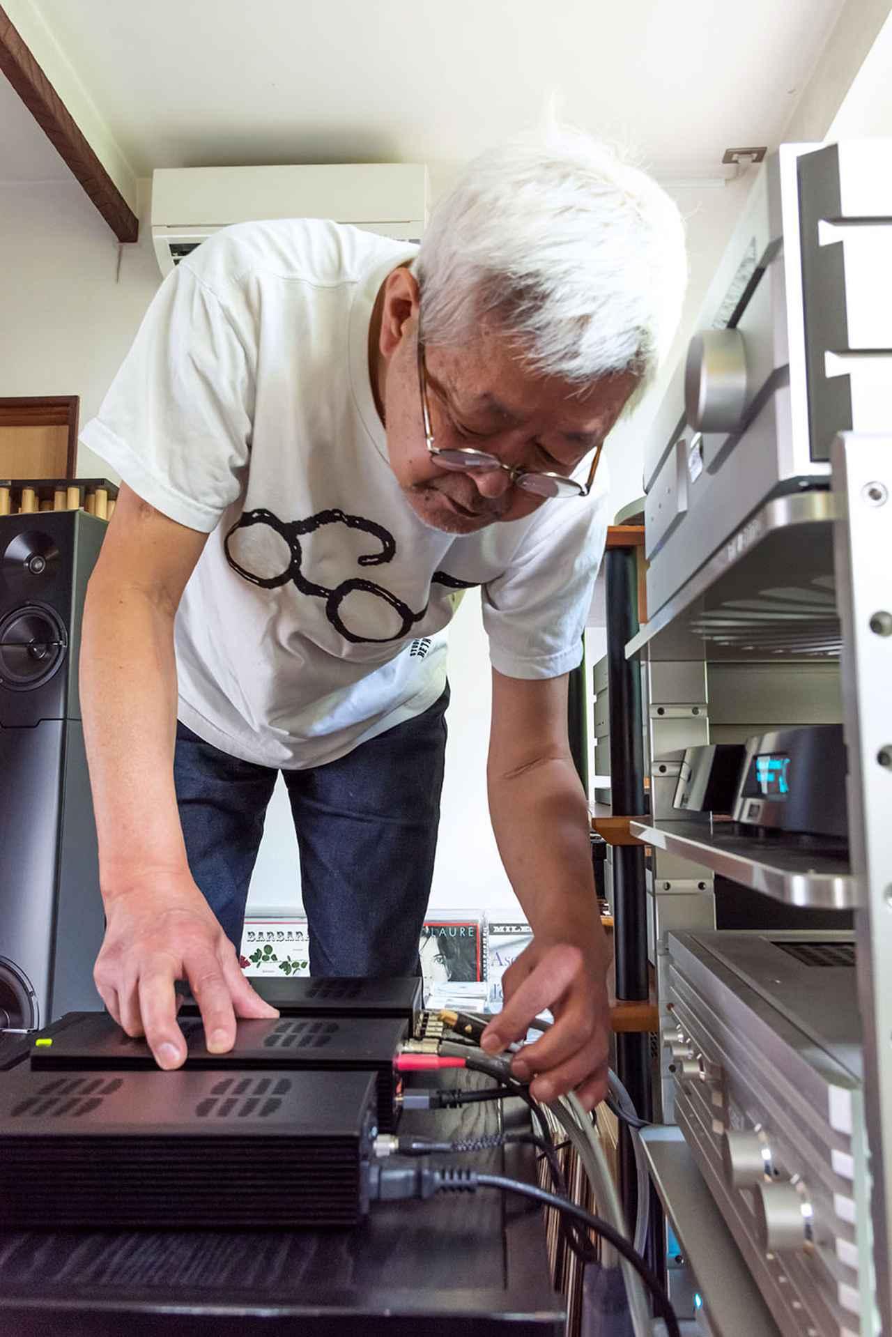 画像: 和田さんは普段、ネットワークプレーヤー、ルーミン「X1」のデジタル出力をソウルノートのSACD/CDプレーヤー「S-3」の外部USB入力につないでハイレゾ等を再生している。今回はX1とS-3の間にtX-USBultraをつないで、音質がどう変化するかを確認した