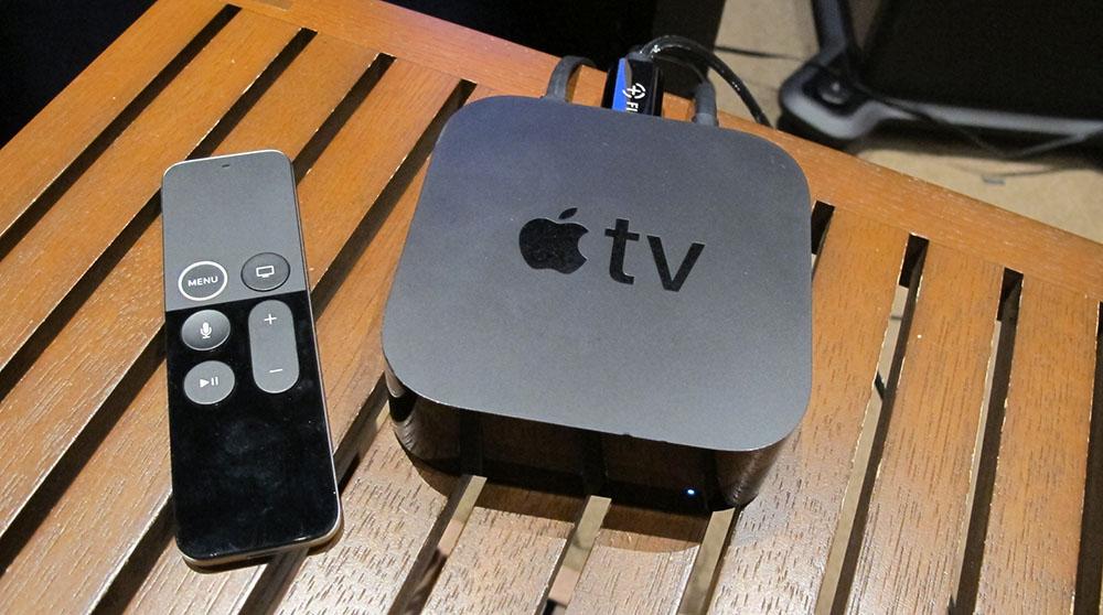 画像: わが家のApple TV 4Kは一昨年購入したもの。今回の取材では、iOS 14.5で採用されたカラーキャリブレーション機能はオフにセットした
