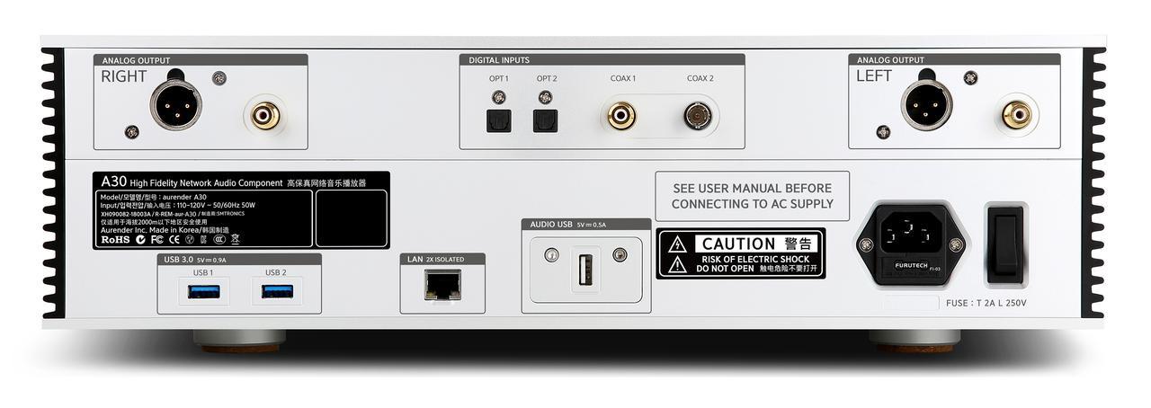 画像: 音声出力はバランス、アンバランスを搭載。パワーアンプと直結して使用する場合は、下記のボリュウム可変機能をオン(有効)にする。音量調整はフロントパネルのロータリーコントロール、アプリ、リモコンの3方式で可能になる