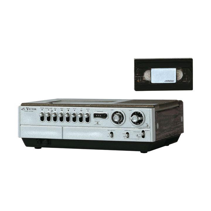画像3: 「Victor」ブランドの昭和レトロなオーディオビジュアル製品が精巧なミニチュアフィギュアで登場。VHS「HR-3300」など全5モデル