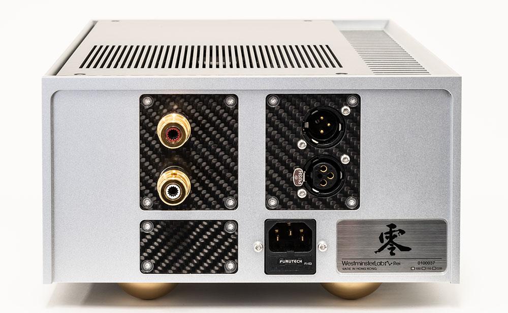画像: Reiのリアパネル。写真右側にふたつ並んだXLR端子は、下側が入力用で、上側がパススルー出力用