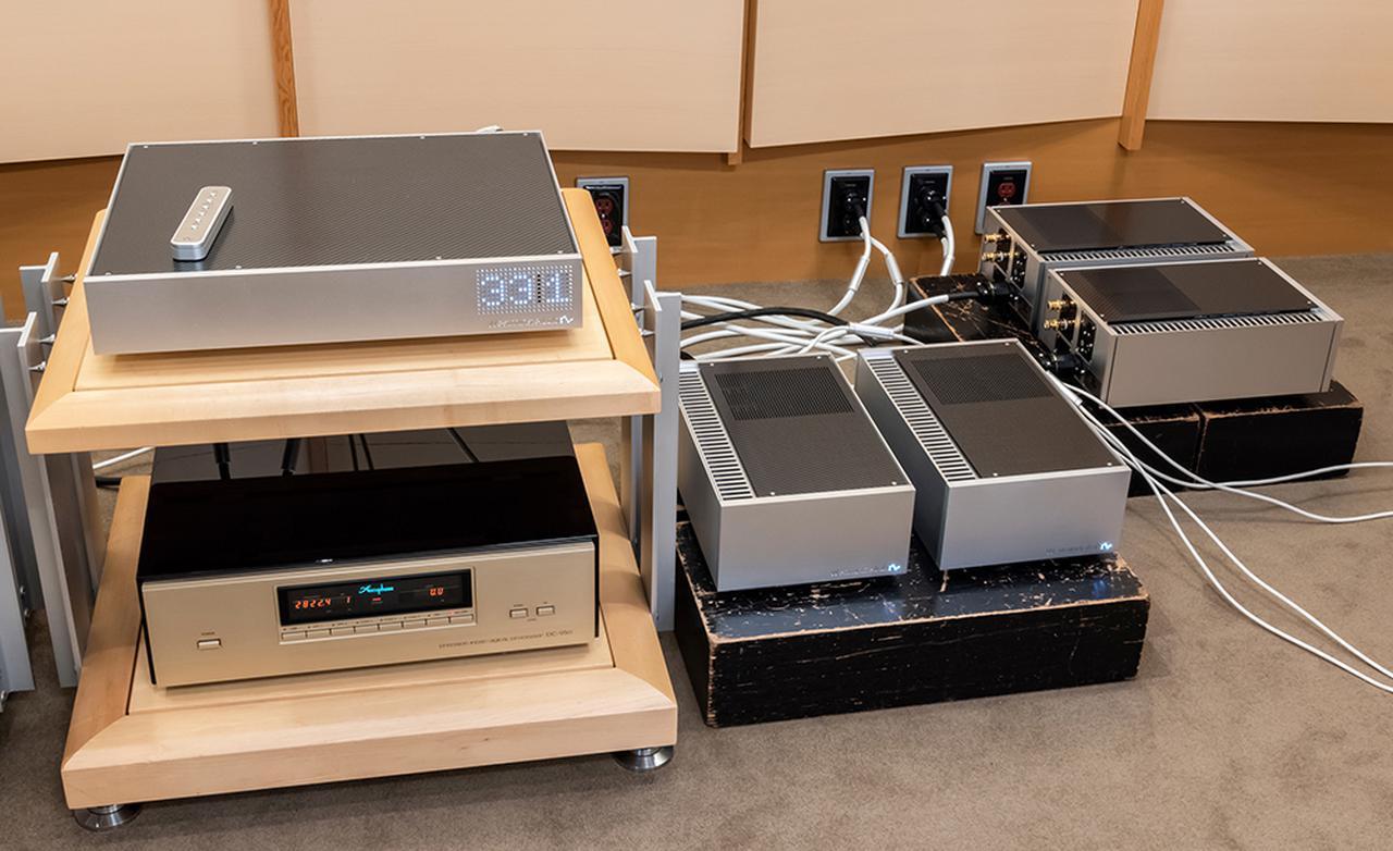 画像: 今回の取材時の様子。プリアンプのQuest(写真左上段)の出力を写真右のReiに送り、4種類のドライブ方法を試している。Reiは2ペア、4台を準備している