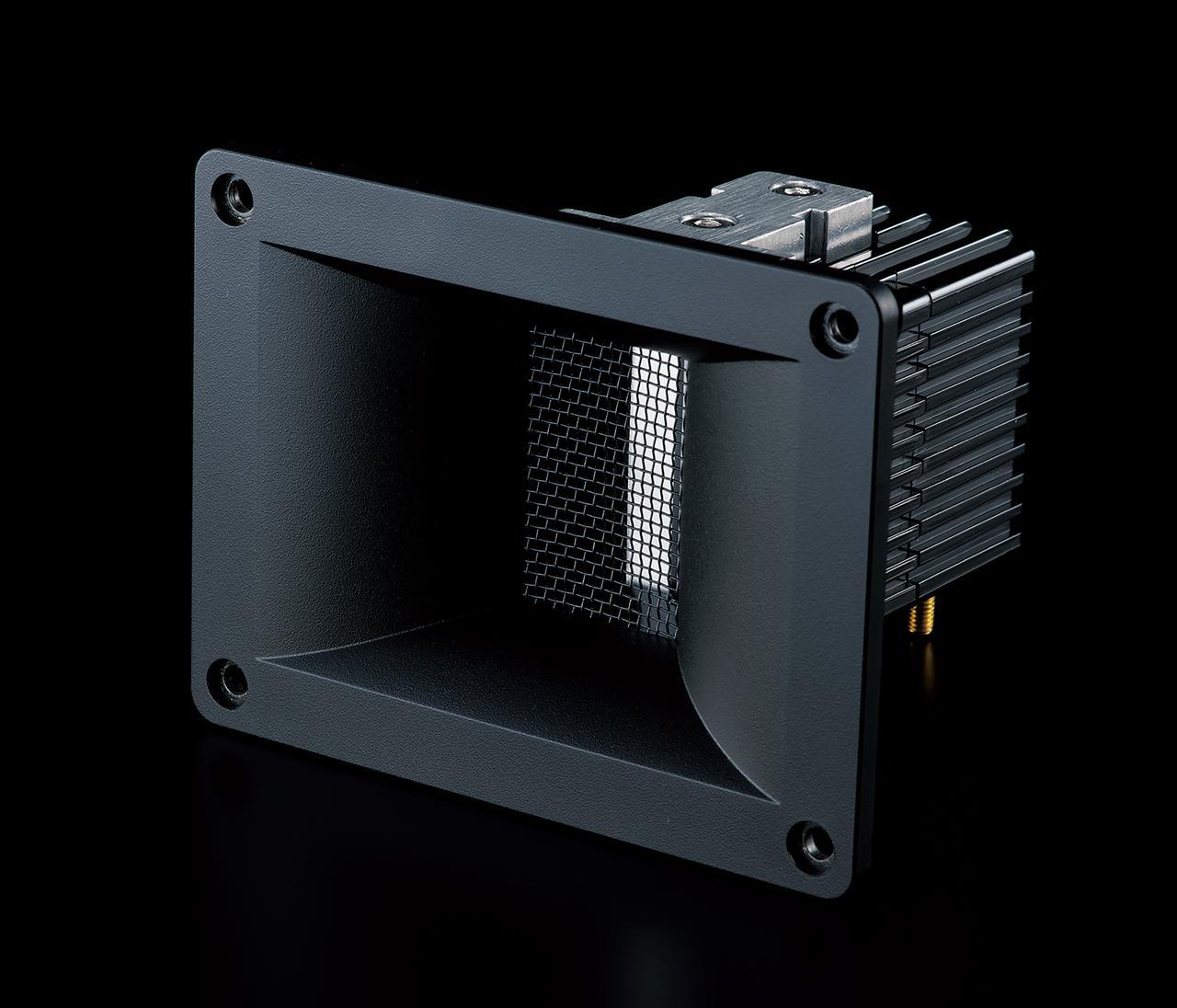 画像2: 【HiViレビュー】エアパルス「A80」はAV再生にきわめてマッチするアクティブスピーカー