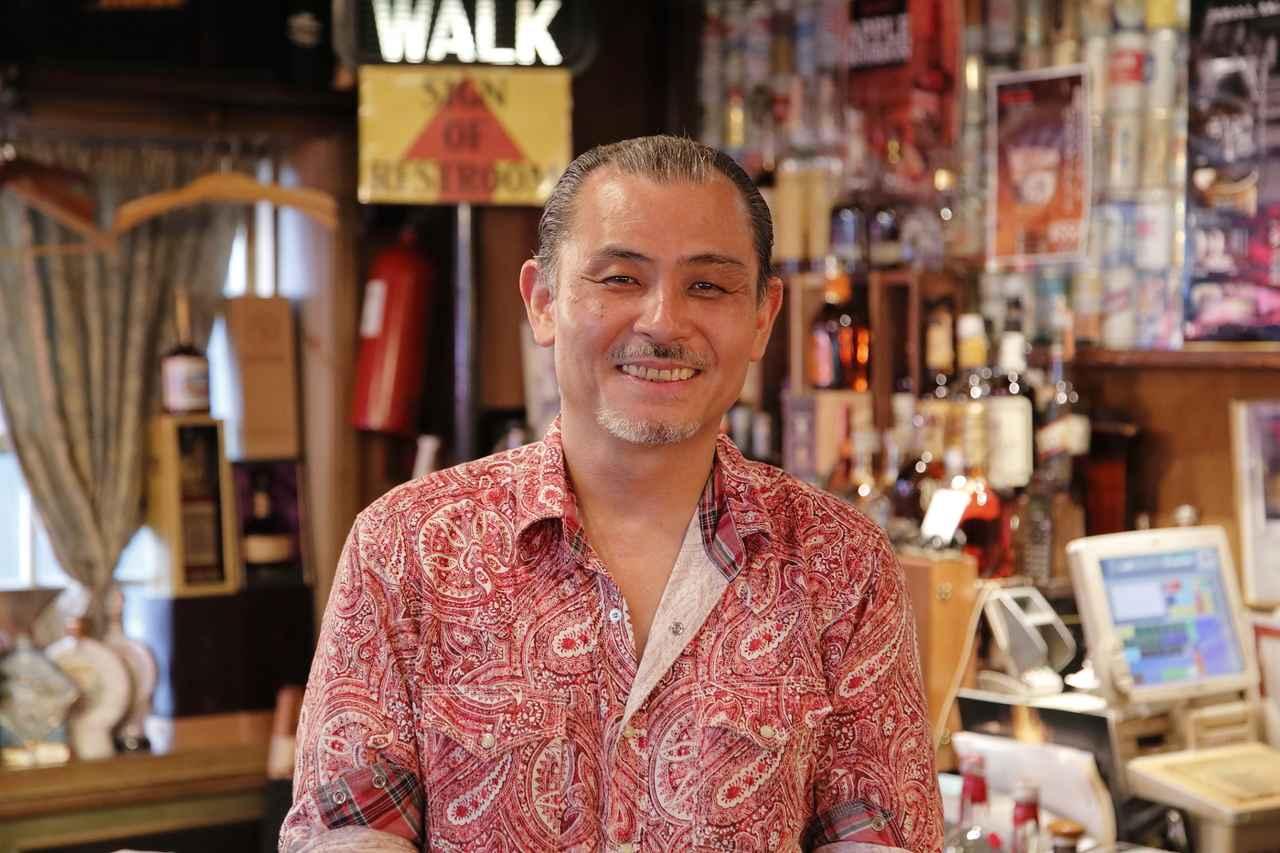 画像: 2代目オーナーの山田満寿美さん。「高田さんがこの店の基盤を作り、有名にしてくれたんですよ。今も常連客として休まず通ってくれています(笑)」
