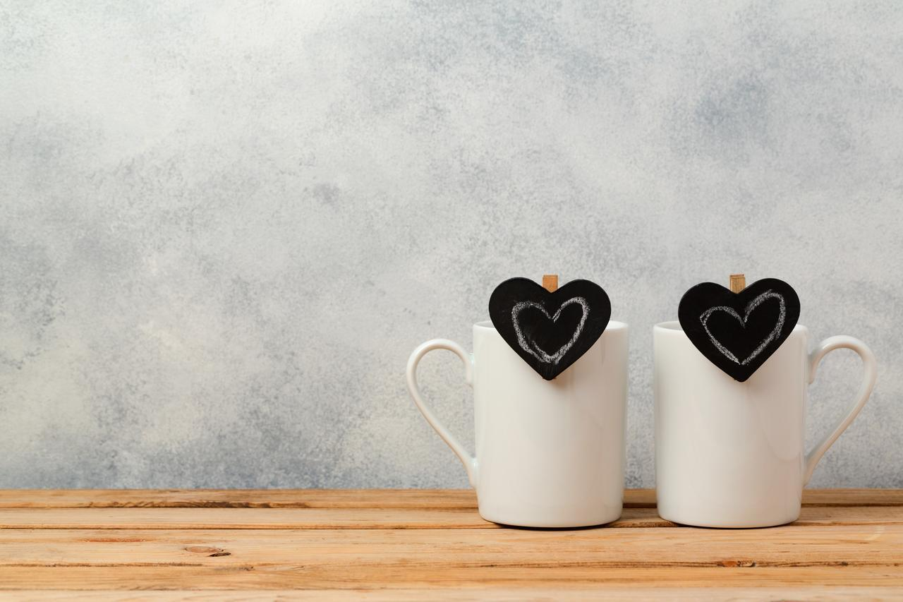 画像: ペアグラスに夫婦箸…還暦祝いのプレゼントにおすすめのペアギフト5選