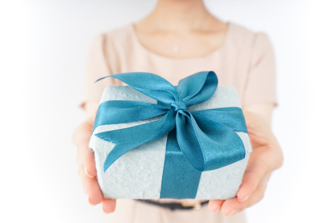 画像: 親の結婚記念日を祝って親孝行!おすすめのプレゼントは?