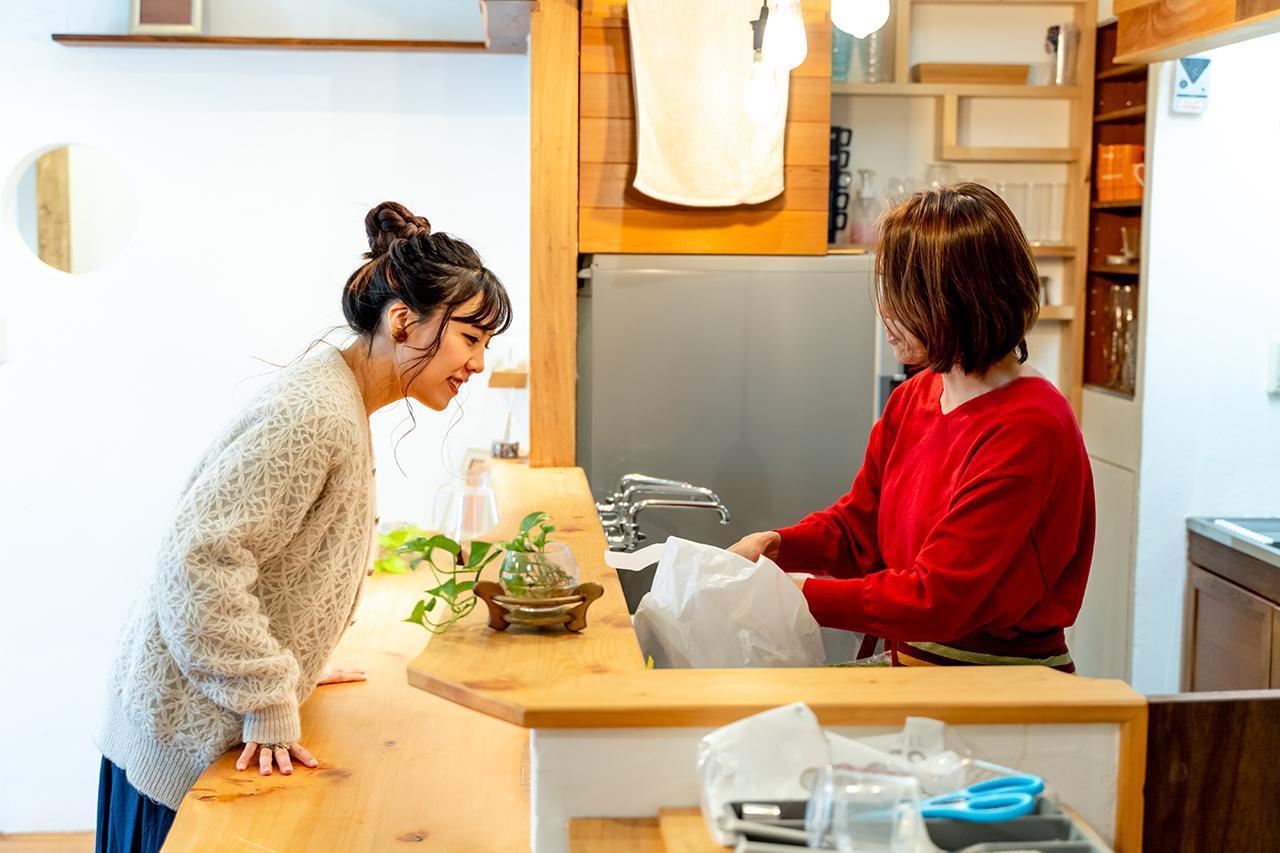 画像3: 一人で暮らす娘の梨紗さんと久々の再会
