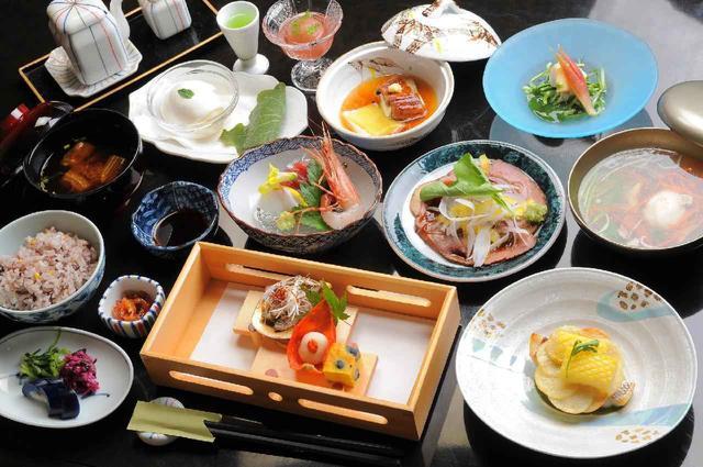 画像: 古希祝いに食事会をするならどこでする?親に食べてもらいたい料理は何?