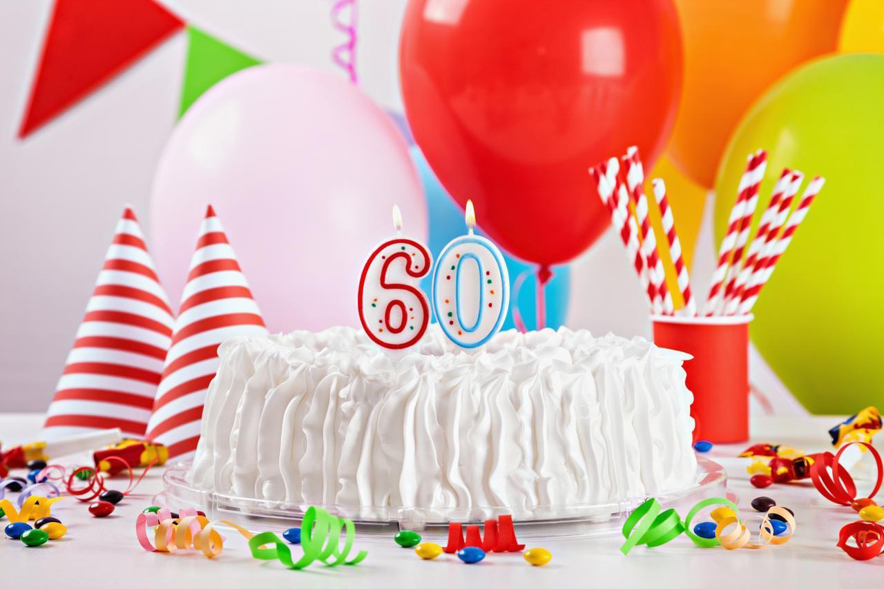 画像: 還暦祝いパーティーを企画しよう!場を盛り上げるケーキやグッズをご紹介