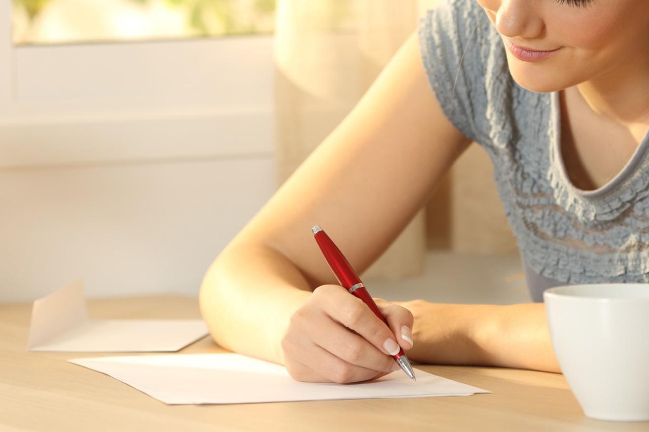 画像: 還暦祝いのメッセージを贈ろう!義理の両親や上司、恩師に贈る場合の文例