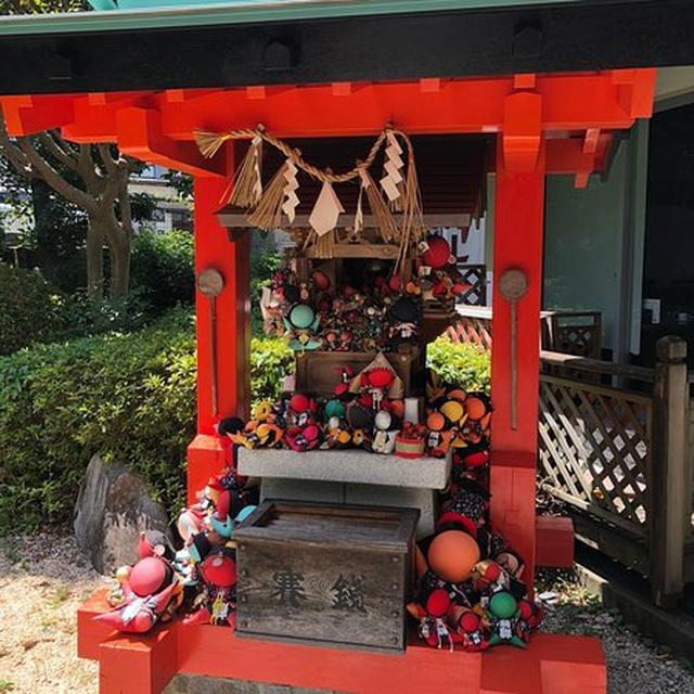 画像: さるぼぼ神社