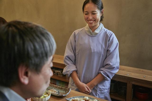 画像16: コテコテの関西弁で笑いを振りまくお父さん