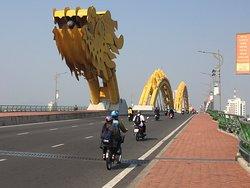 画像: ドラゴン橋