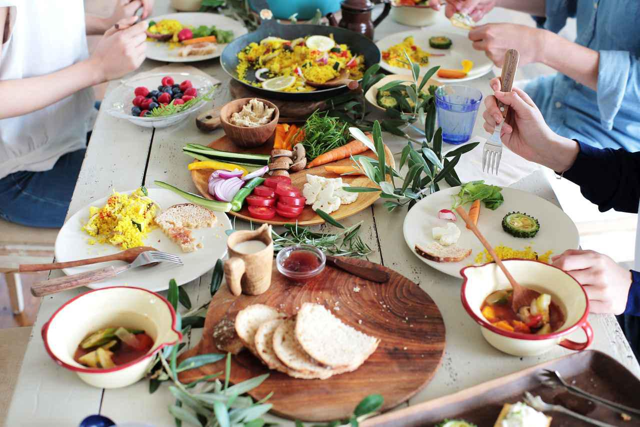 画像: 【卒寿のお祝い】何をすればいい?食事に行く際の段取りについても解説