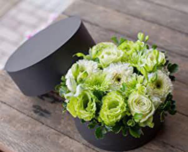 画像: ボックスフラワー ラウンド型 生花