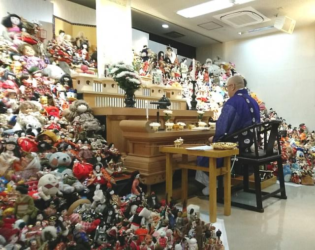 """画像: 大切な人形を供養する""""人形供養祭""""を開催 僧侶による法話も/株式会社メモリアルアートの大野屋"""