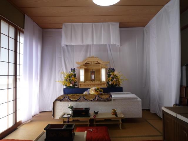 画像: 20万円(税込)以内で行える花つきシンプル葬