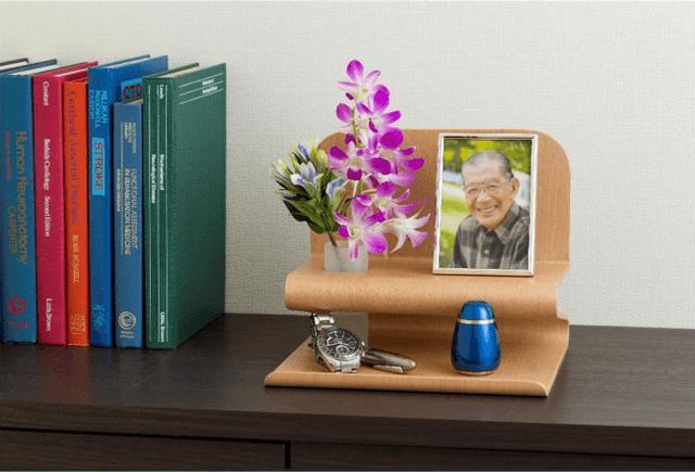 画像: 手元供養商品を収める専用台「ソウルステージ」シリーズにユニークなフォルムの「R(アール)」が登場/株式会社メモリアルアートの大野屋