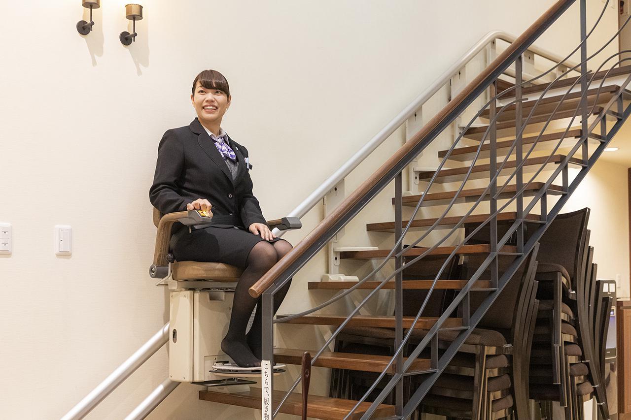 画像: リビング横の昇降機は、来館するお客様にも好評だそう