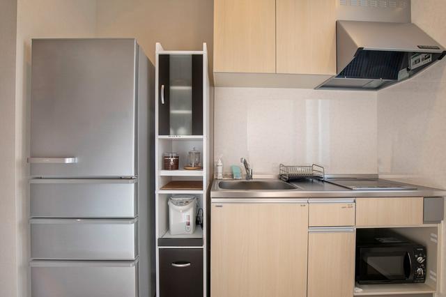画像: 窓のある、ゆったりとしたキッチン