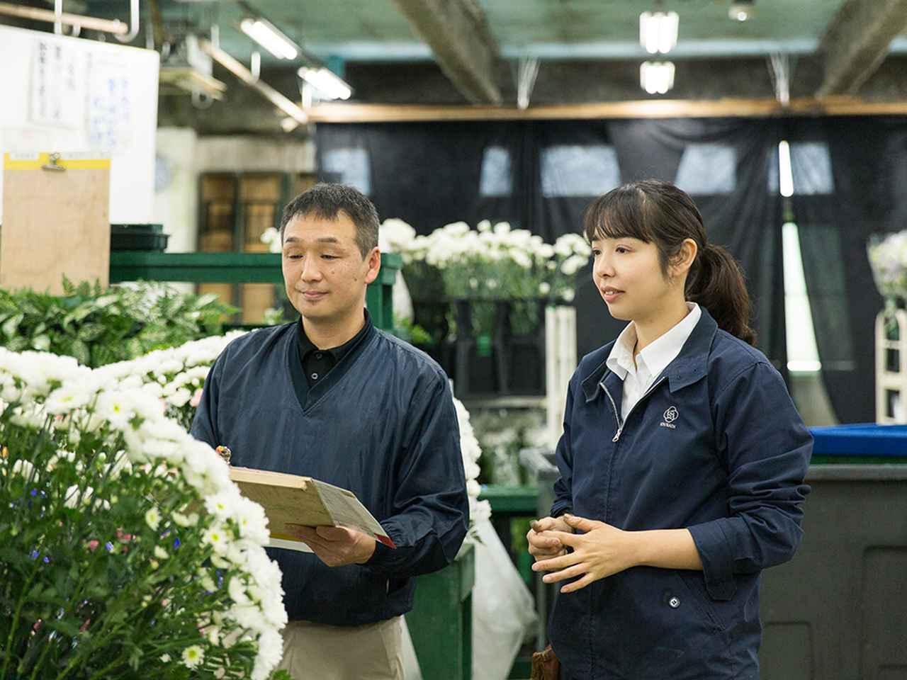 画像: カタログどおりに仕上がっているか、型番通りであるか、内勤担当者が最終チェックするのがルール