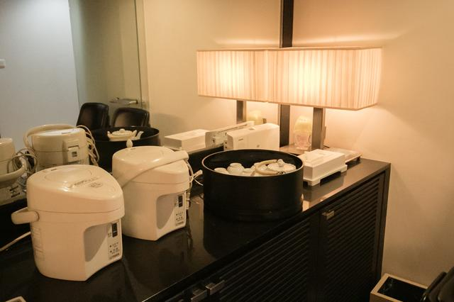 画像: 2階には自販機もあるが、お茶出しも可能