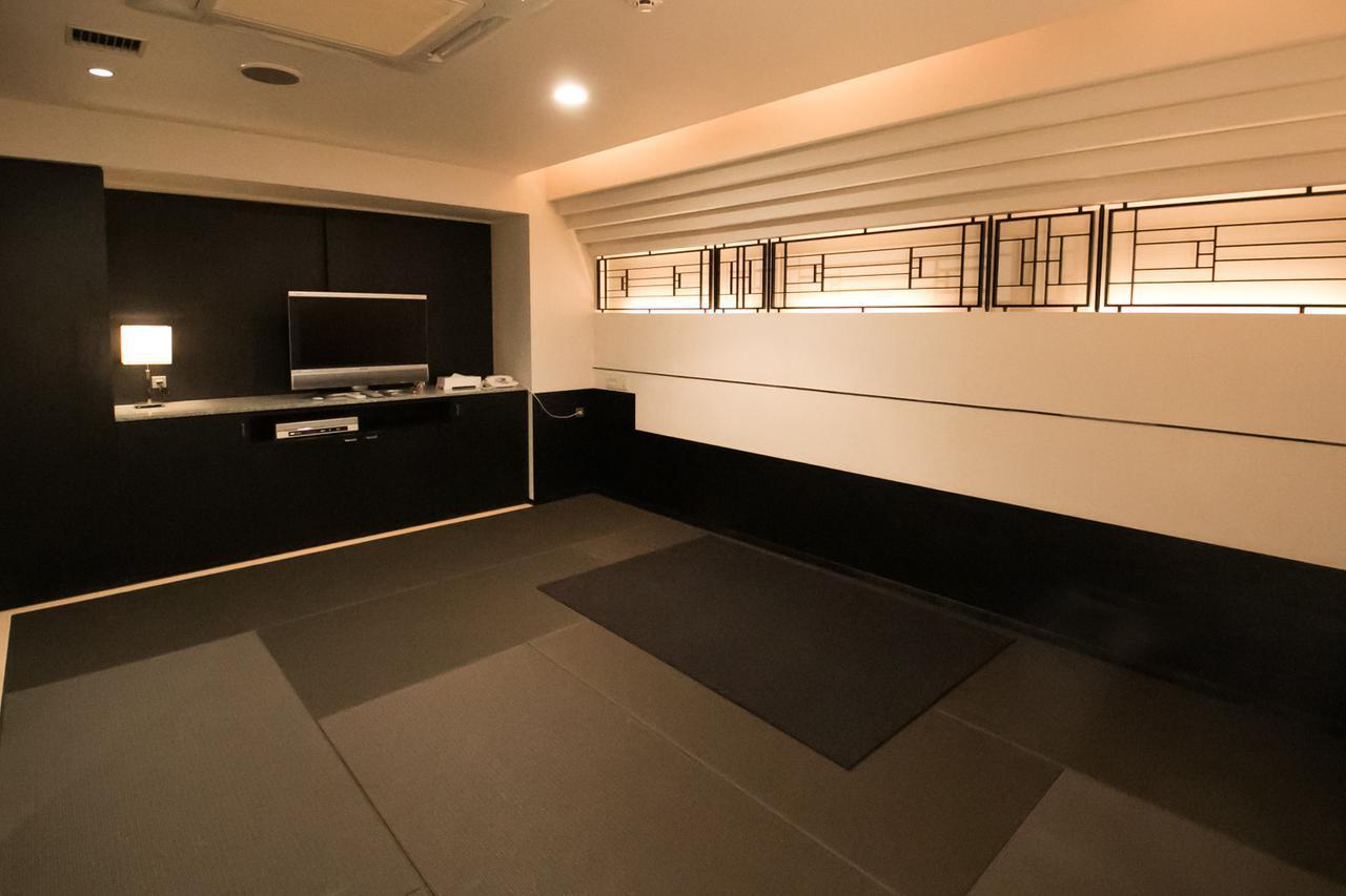 画像: 3階にある遺族控室の、ひとつ。 4、5階にも同タイプの部屋がある