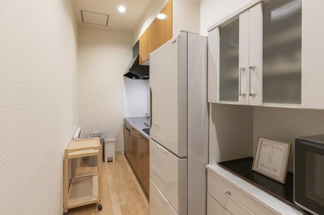 画像: 凝った料理も作れそうな、本格的なキッチン