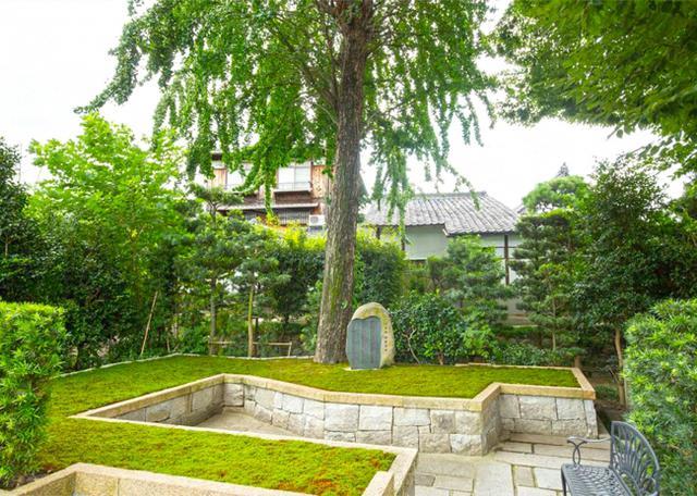 両足院 墓苑