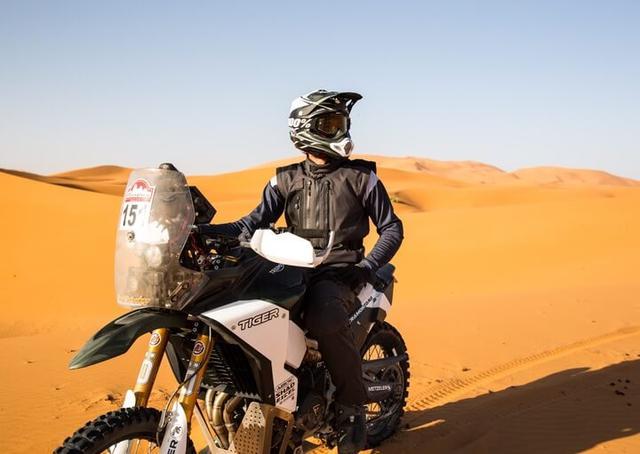 画像3: トライアンフ・タイガーでアフリカのラリーに参戦
