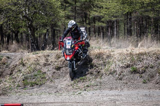 画像3: バイクが巧い=エライ!