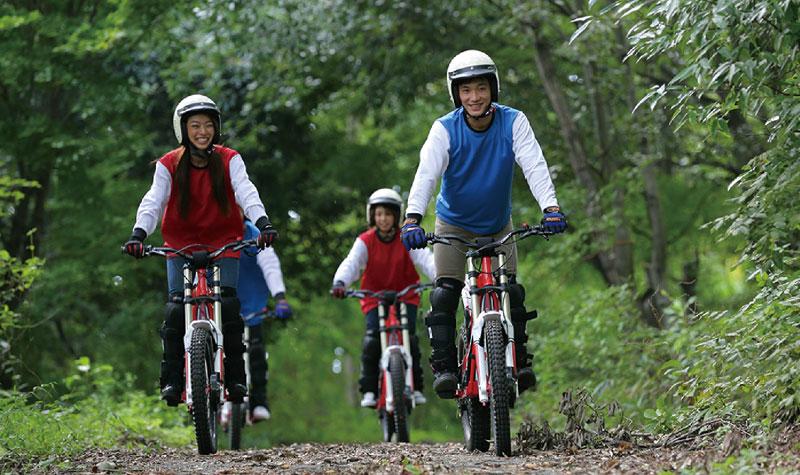 画像: 初心者でも怖くない電動トライアルバイク