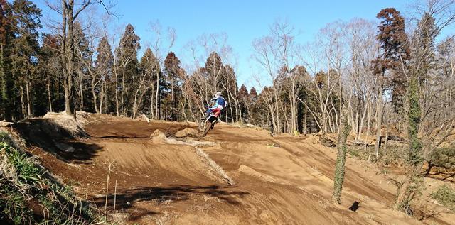 画像: www.naritamxpark.com – 成田モトクロスパーク