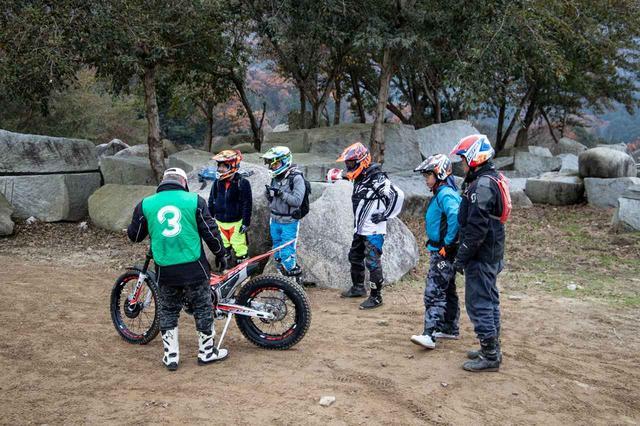 画像: トライアルバイクの試乗会